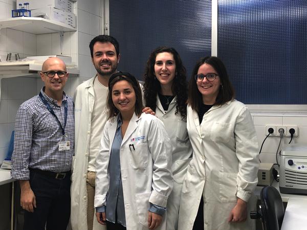 Foto grupo El grupo 'Oncología Molecular' del Instituto de Investigaciones Biosanitarias UFV  Unidad mixta Hospital 12 de octubre, ha sido premiado por la ASEICA y la asociación +QUEUNTRAIL para llevar a cabo un proyecto de investigación Estudiar en Universidad Privada Madrid