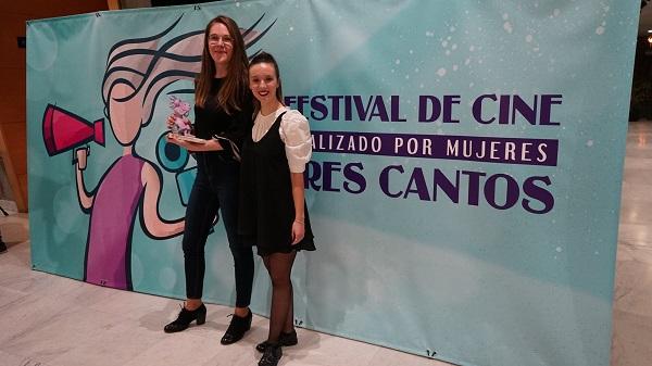 Sara y Raquel Tres Cantos1 El cortometraje 'Escúchame', producido por Logosfera, galardonado en el XIII Festival de cine realizado por mujeres de Tres Cantos Estudiar en Universidad Privada Madrid
