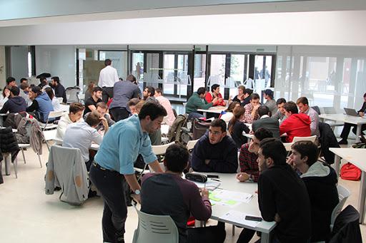 hackatlon covid Participa en la búsqueda de respuestas al COVID 19 a través del hackathon virtual #VenceAlVirus promovido por la Comunidad de Madrid
