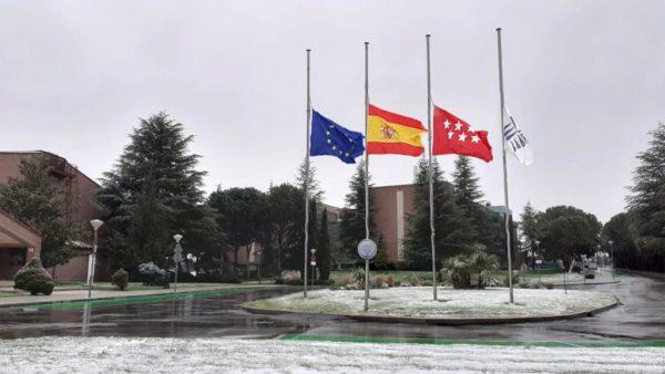 %name Las banderas ondean a media asta en la UFV en señal de duelo por los fallecidos