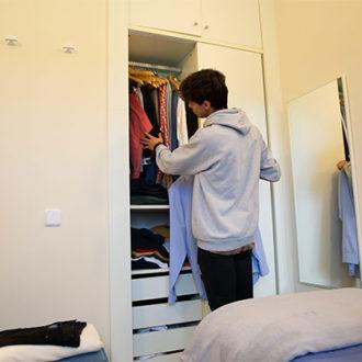 colegio mayor habitaciones 05 330x330 Instalaciones Estudiar en Universidad Privada Madrid