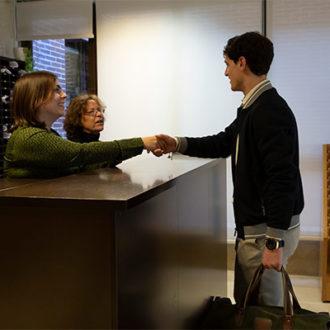 colegio mayor zonas comunes 03 330x330 Instalaciones Estudiar en Universidad Privada Madrid