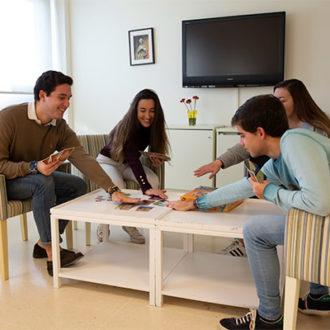 colegio mayor zonas comunes 12 330x330 Instalaciones Estudiar en Universidad Privada Madrid