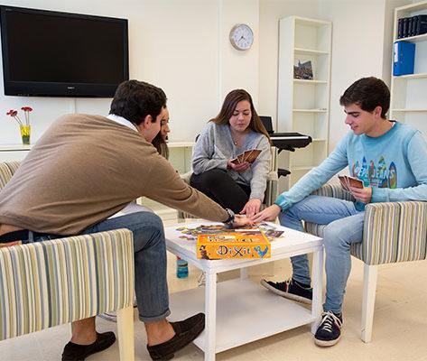 colegio mayor zonas comunes 13 473x400 Colegio mayor Estudiar en Universidad Privada Madrid