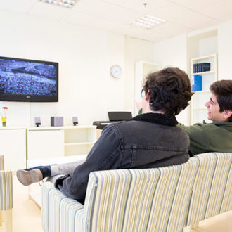 colegio mayor zonas comunes 14 330x330 Instalaciones Estudiar en Universidad Privada Madrid