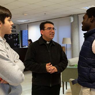 colegio mayor zonas comunes 23 330x330 Instalaciones Estudiar en Universidad Privada Madrid