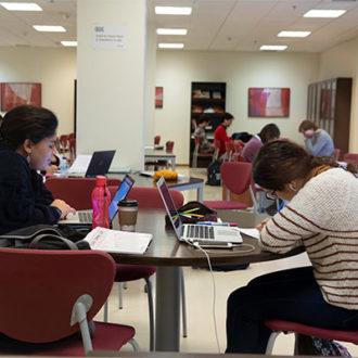 colegio mayor zonas comunes 30 330x330 Instalaciones Estudiar en Universidad Privada Madrid