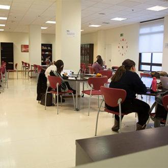 colegio mayor zonas comunes 31 330x330 Instalaciones Estudiar en Universidad Privada Madrid