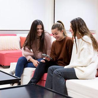 colegio mayor zonas comunes 36 330x330 Instalaciones Estudiar en Universidad Privada Madrid