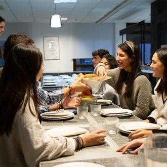 colegio mayor zonas comunes 40 330x330 Instalaciones Estudiar en Universidad Privada Madrid