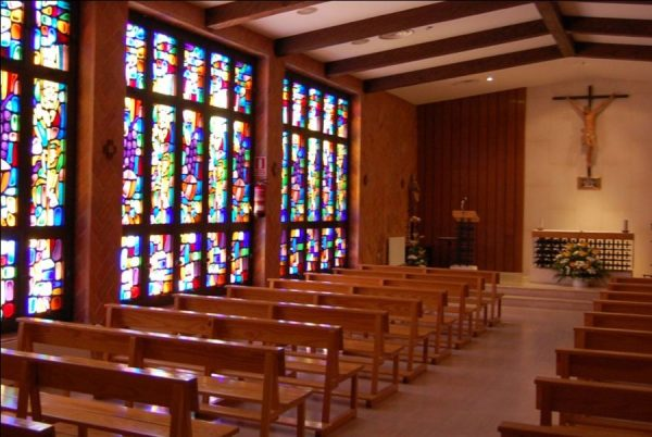 capilla e1592381898299 La capilla de la UFV retoma la celebración de misas presenciales Estudiar en Universidad Privada Madrid