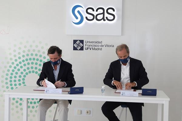 IMG 3617a SAS y la Universidad Francisco de Vitoria (Madrid) firman un acuerdo para potenciar la formación en Analytics de los futuros profesionales Estudiar en Universidad Privada Madrid