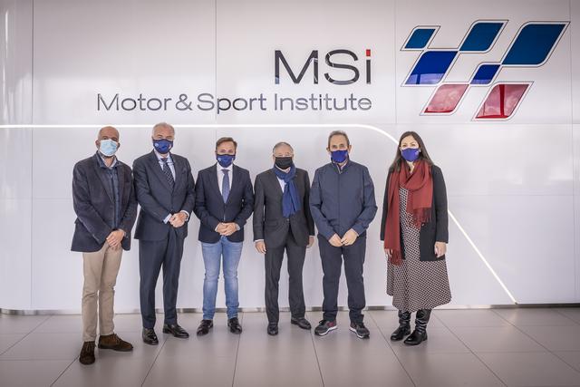 MSI VISITA JEAN TODT Jean Todt, presidente de la FIA (Federación Internacional de Automovilismo) visita el Motor & Sport Institute MSI Estudiar en Universidad Privada Madrid