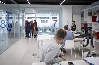 MSI VISITA JEAN TODT2 Jean Todt, presidente de la FIA (Federación Internacional de Automovilismo) visita el Motor & Sport Institute MSI Estudiar en Universidad Privada Madrid