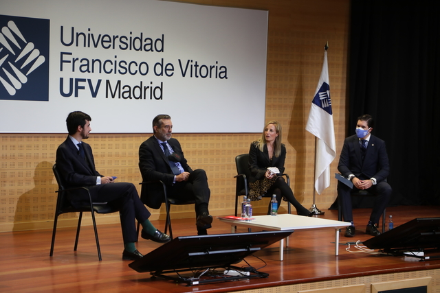 enrique lopez ufv 1 Enrique López, consejero de Justicia e Interior de la Comunidad de Madrid, visita la UFV en el marco de las conferencias de la Sociedad de Estudios Políticos Estudiar en Universidad Privada Madrid