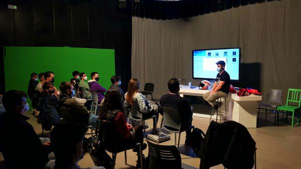 fonsinietoufv El exmotociclista Fonsi Nieto visita a los alumnos del Grado en Periodismo UFV Estudiar en Universidad Privada Madrid