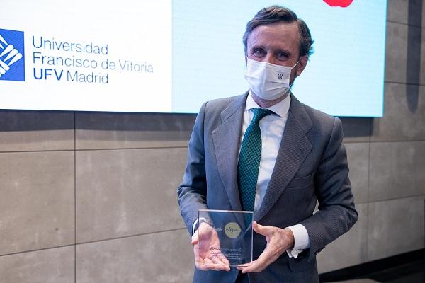UFV premios Compromiso Integra 2020 2 Fundación Integra reconoce con el Premio al compromiso con la formación y el voluntariado a la Universidad Francisco de Vitoria Estudiar en Universidad Privada Madrid