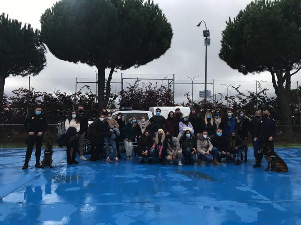 %name La Policía Local de Torrejón de Ardoz realiza una exhibición canina para los alumnos de Criminología UFV Estudiar en Universidad Privada Madrid