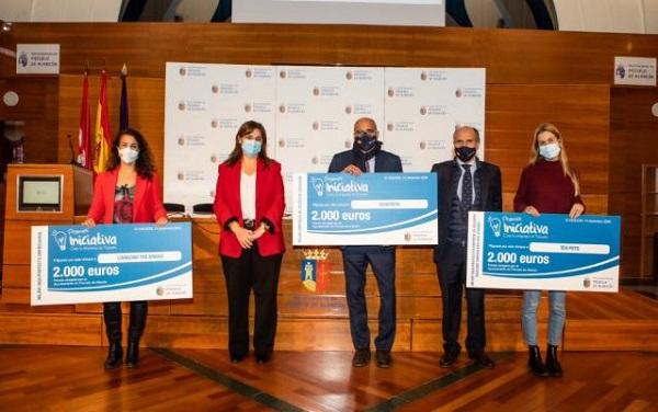 premios iniciativa pozuelo 2020 XI Edición de los Premios Iniciativa del Ayuntamiento de Pozuelo de Alarcón Estudiar en Universidad Privada Madrid