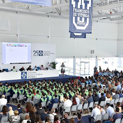 educacion graduacion 19 18 12 Actos académicos curso 2018/2019 Estudiar en Universidad Privada Madrid