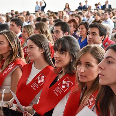 facultad ciencias juridicas graduacion 19 18 15 Actos académicos curso 2018/2019 Estudiar en Universidad Privada Madrid