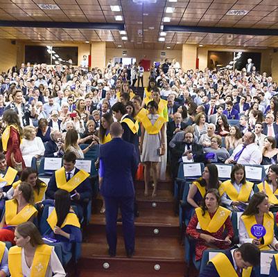 medicina graduacion 19 18 04 Actos académicos curso 2018/2019 Estudiar en Universidad Privada Madrid