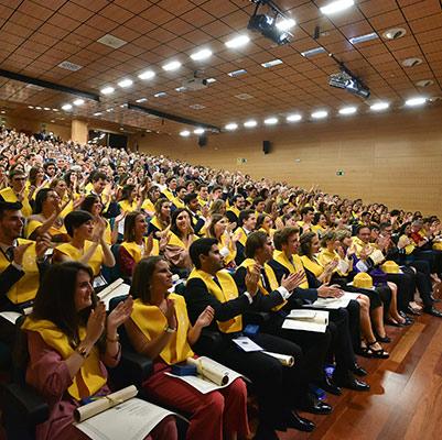 medicina graduacion 19 18 14 Actos académicos curso 2018/2019 Estudiar en Universidad Privada Madrid