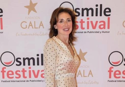 raquel ayestaran Raquel Ayestarán, directora del Grado en Márketing, entrega los galardones en la categoría de Cultura Universitaria en transferencia con empresas en el Smile Festival 2021 Estudiar en Universidad Privada Madrid