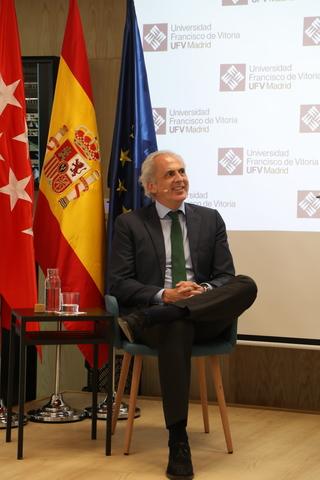 ruiz escudero ufv2 1 Enrique Ruiz Escudero, consejero de Sanidad de la Comunidad de Madrid, visita la UFV y mantiene un encuentro con nuestros alumnos Estudiar en Universidad Privada Madrid