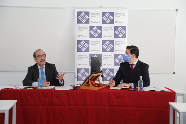 """borrego2 Javier Borrego, exmagistrado del Tribunal Europeo de Derechos Humanos y T. Supremo, en el Seminario Permanente de Estudio Jurídico: Hay un intento de sustituir al Hombre como titular de los Derechos Humanos"""" Estudiar en Universidad Privada Madrid"""