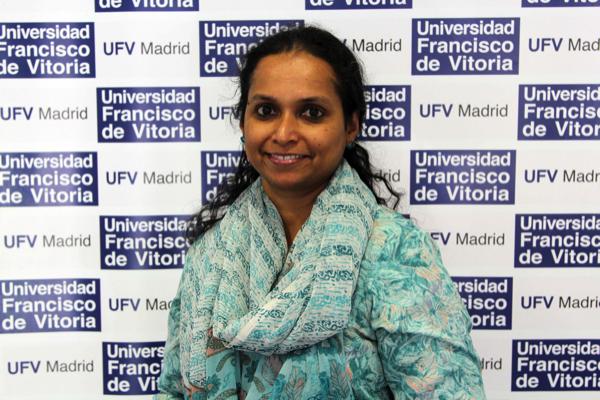 Manjula Balakrishnan Manjula Balakrishnan, profesora de Inglés de la UFV, cuenta en un reportaje de XL Semanal cómo ha golpeado la COVID a la India Estudiar en Universidad Privada Madrid