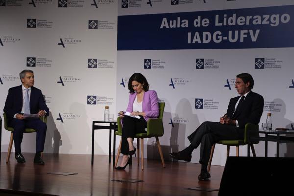 """Vicente Vallés Díaz Ayuso y Aznar Isabel Díaz Ayuso en el Aula de Liderazgo IADG UFV: """"La sociedad en Madrid ha peleado por no perder su libertad y sus puestos de trabajo"""" Estudiar en Universidad Privada Madrid"""