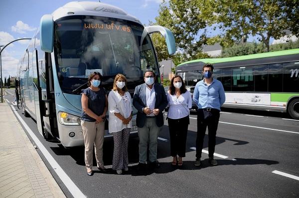 bus La Universidad Francisco de Vitoria pone en marcha un autobús gratuito para trasladar al campus a los alumnos que vivan en Boadilla Estudiar en Universidad Privada Madrid